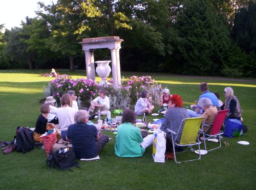 Bath Writers Midsummer Picnic, Victoria Bath